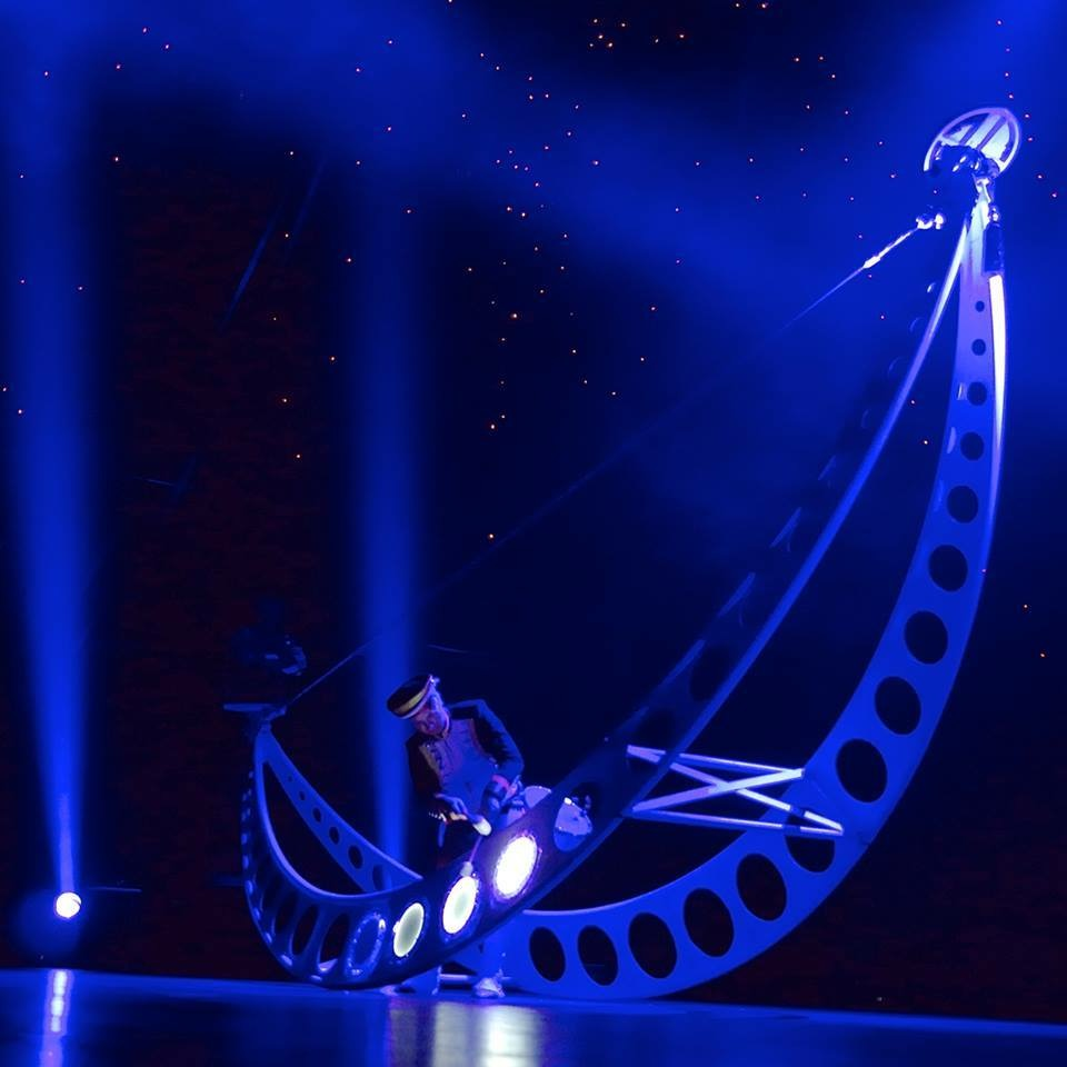 Cirque Surreal - © Stages in Design 2015